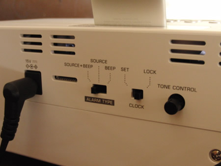 iPod用のスピーカーYAMAHA TSX-80の背面詳細写真