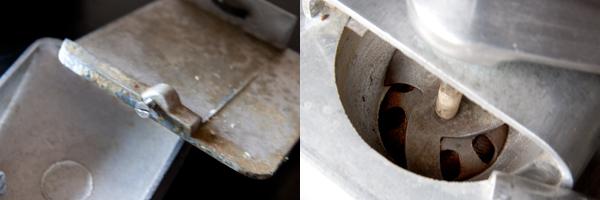 分解掃除前のアンティークミル