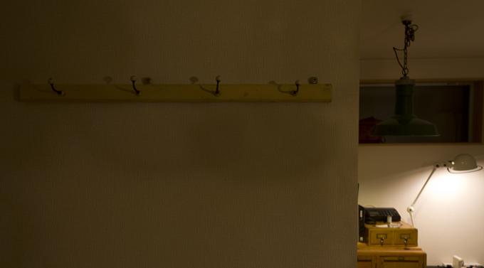 ヴィンテージ5連コートフック 石膏ボードへの取り付け例3
