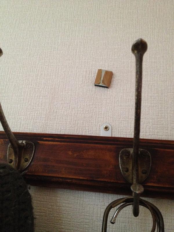 ヴィンテージ5連コートフック 石膏ボードへの取り付け例2