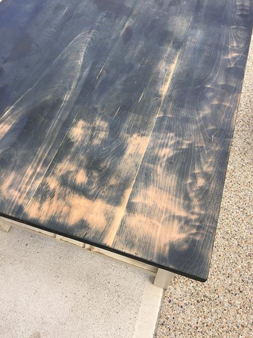 ディスクグラインダーで削った天板