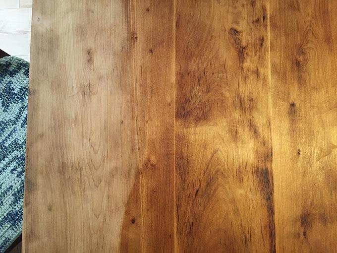 マルタ 純正荏油 150mlを塗った天板