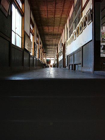 レトロな廊下